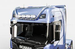 Scania kattovaloteline korkea 679€ ja 964€